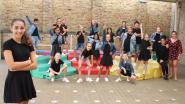 """Nieuwe dansgroep 'Hello Stars' repeteert in scholen:  """"Dansen moet in het schoolpakket"""""""