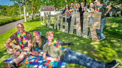 Na succes vorig jaar: jongerenwerking Savio opent opnieuw zomerbar in de schaduw van de molen