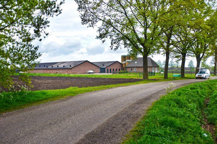 Ad van den Boom gaat gebruik maken van een verleende vergunning om zijn varkensbedrijf aan De Elzen in Boekel te moderniseren.