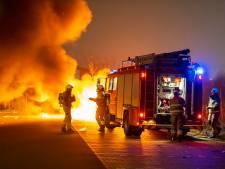 Auto brandt volledig uit in Berghem