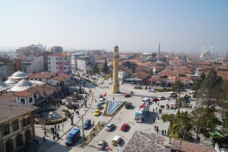 Zicht op de Noord-Anatolische stad Çorum. Een officiële herdenking van het bloedbad van 4 juli 1980 is er niet. De aleviten herdenken zelf, zonder soennieten of overheidsdienaren.  Beeld Melvin Ingleby