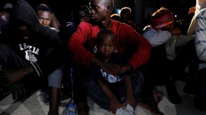 Libische kustwacht onderschept 574 migranten op boten met bestemming EU