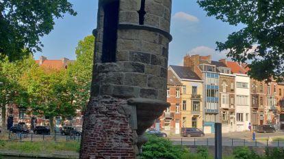 De Peperbus staat er (scheef) terug: Gents 'torentje van Pisa' uit de stellingen