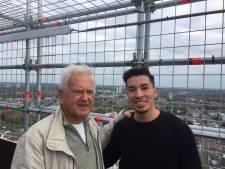 John Visser (81) kent het gevoel van vluchtelingen en daarom helpt hij