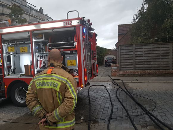 De brand was grotendeels geblust toen de brandweer aankwam.