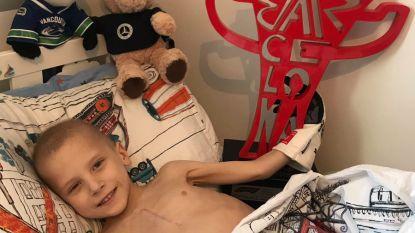 Donaties stromen binnen voor doodzieke Harry (5) die F1-auto kreeg van Lewis Hamilton