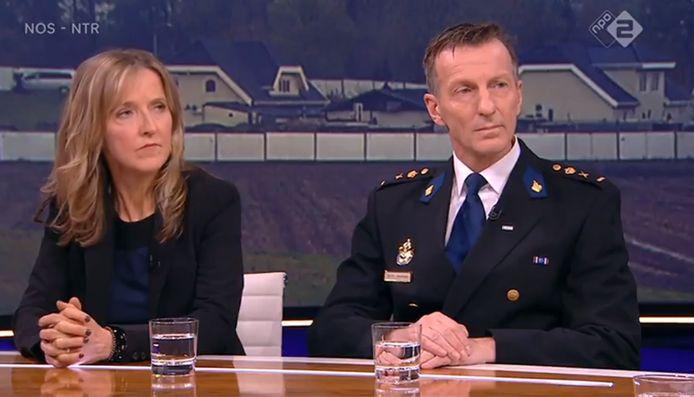Hoofdofficier van justitie Heleen Rutgers en politiechef Wilbert Paulissen bij Nieuwsuur.