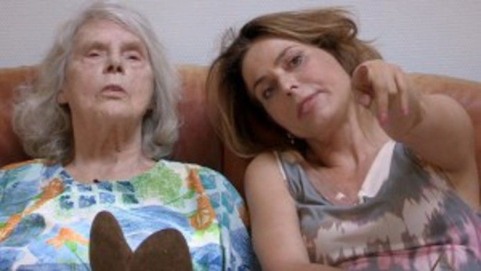 Heleen van Royen en haar moeder.