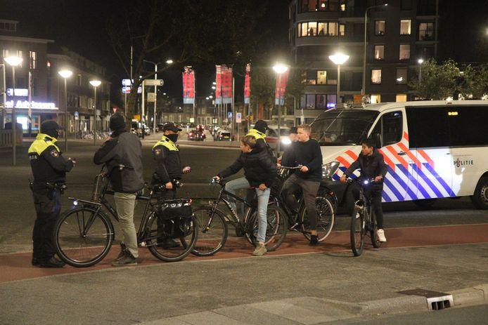Veel politie in en rondom Duindorp