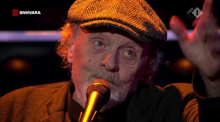 Tranen in de ogen: Tommie zingt voor Meneer Aart