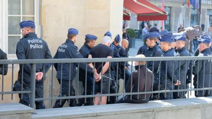 Brusselse politie arresteert 43 demonstranten tijdens verboden extreemrechtse mars