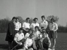De hockeysters van Nuenen waren in 1960 de beste. Wie speelde er in dit elftal?
