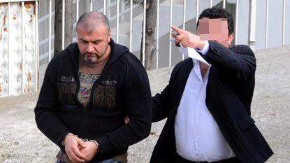 In Nederland veroordeelde maar ontsnapte vrouwenhandelaar runt callcenters in Turkije