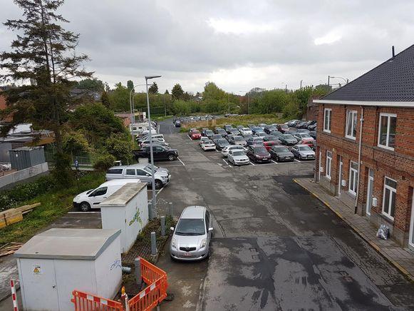 De zone tussen de Reepstraat, spoorweg en Oudenaardsestraat wordt nu nog gebruikt als parking, maar wordt nu ingekleurd als woonzone.