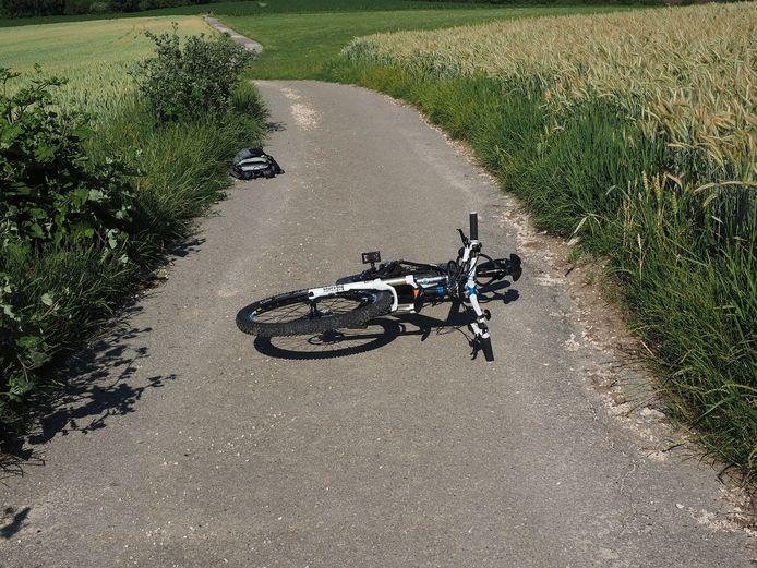 """Dat de wielrenner doorreed, kan pa Van Gool écht niet begrijpen. ,,Het gaat helemaal niet om wie schuldig is. Als er een ongeluk gebeurt, stop je."""" (Foto ter illustratie)"""