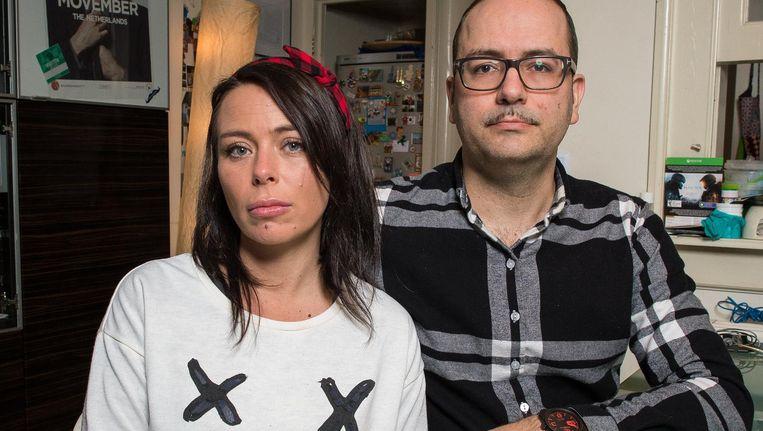 Adam Ross en zijn verloofde Guarasi: 'Als er geen wonder gebeurt, moeten we ons huis binnen een paar weken verkopen' Beeld Mats van Soolingen