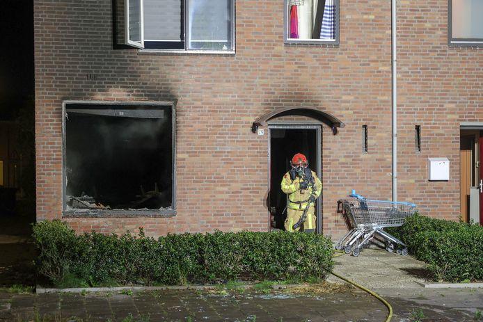 Brand na explosie in een woning aan de Moreelselaan in Eindhoven.