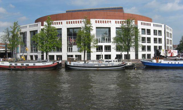Amsterdam gaat experimenteren met werkdagen van 6 uur voor ...