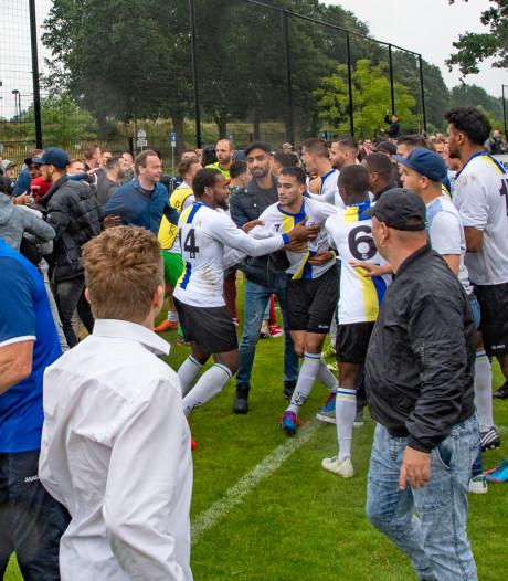 FC Tilburg - Madese Boys ontaardt in vechtpartij na 'racistische leuzen' en 'provocerend gedrag'