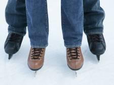 Schaatsen in de zomer? Het kan op Nieuwerkerk Bruist