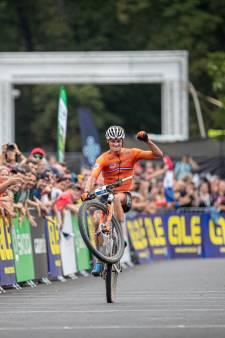 Welke titel schrijft Europees kampioen mountainbiken Van der Poel als volgende op zijn naam?