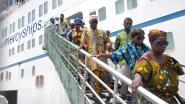 Oogarts geeft lezing over werk op schip tussen allerarmsten