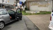 Bestuurder onder invloed maait voetgangers van 75 en 70 jaar van straat en crasht tegen bloembak