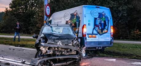 Gewonden na crash op N340 in Ommen