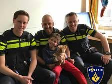 Politie bezoekt Thijs (5), die bijna verdronk in Schiedam