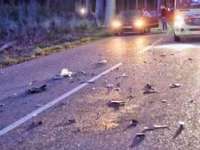 Motor en auto botsen frontaal op elkaar bij Wouw, motorrijder in zorgwekkende toestand naar ziekenhuis