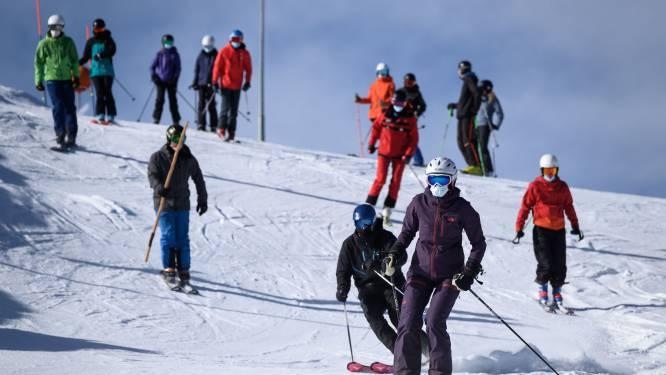 Eén vrouw overtreedt regels, 5.000 mensen in quarantaine: sneeuwbaleffect na 'onschuldig' skireisje