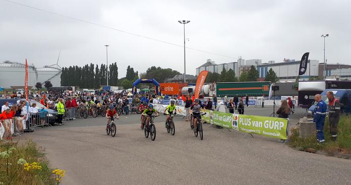 Zware achtervolging voor deelnemers Nationale jeugdronde op terrein Suikerunie in Stampersgat