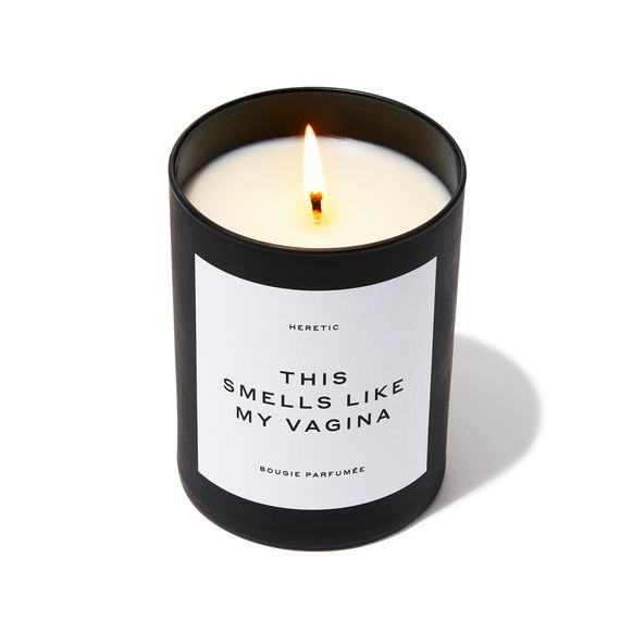 Deze kaars met een geur die 'grappig, prachtig, sexy en onverwacht' is, kostte 67,50 euro maar is uitverkocht