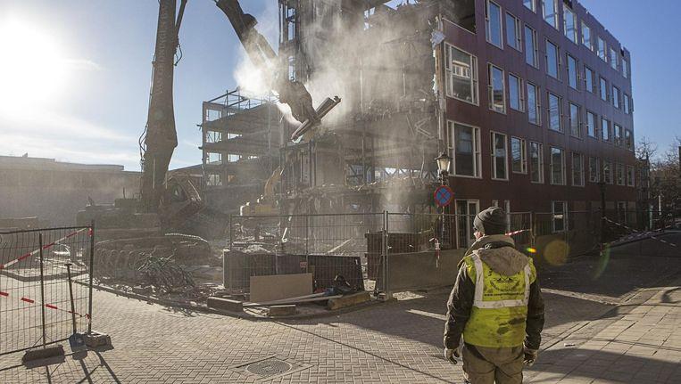 Acht jaar na de bouw gaat het tijdelijke gebouw aan de Groenmarktkade tegen de vlakte Beeld Floris Lok