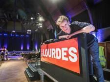 Lourdeskerk als podium: 'Theater in Scheveningen is een oudere traditie dan fikkie steken'