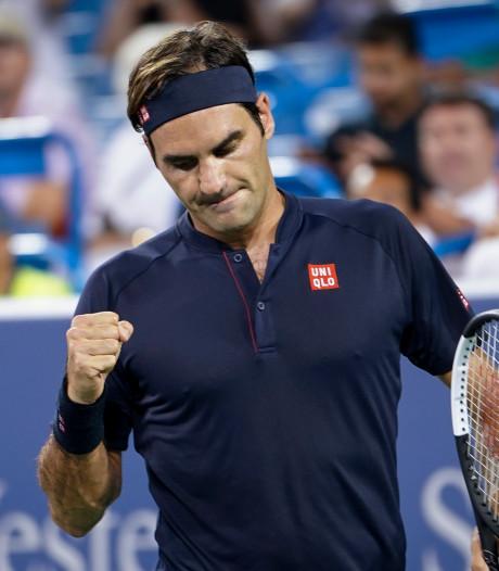 Federer in drie sets zich langs Wawrinka en voegt zich bij laatste 4