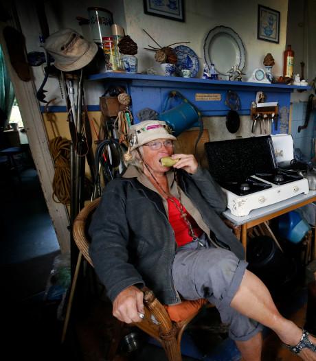 Hennie Kelder (76) woont middenin de Biesbosch: 'Ik eet wat ik buiten pluk'