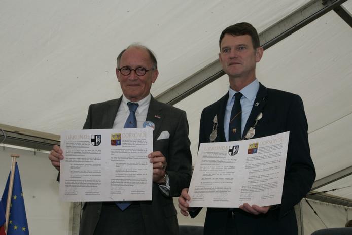 Burgemeester Fred de Graaf (links) van Heerde met zijn Balver collega Mühling.