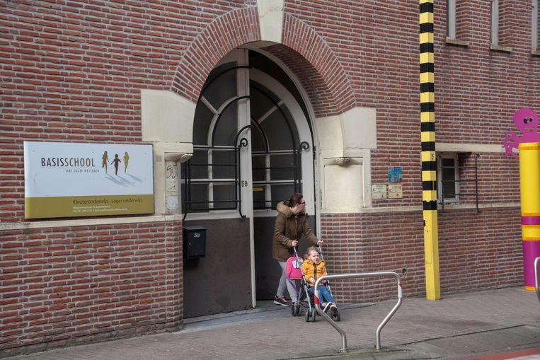 De Sint-Jozef basisschool waar de dief werd betrapt.