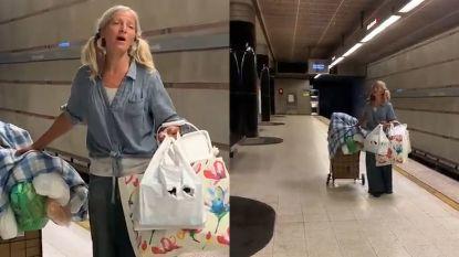 Is dit dé video van het jaar? Dakloze vrouw begint plots te zingen in metro in Los Angeles