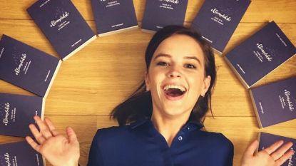 Lynn Van Royen bundelt 'kleine gelukskes' in boek