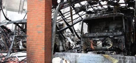 Duitse brandweerkazerne gaat in vlammen op