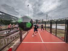 Beter leren passen met 'footsquash'. Het kan in Zwolle op een outdoorbaan