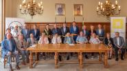 Zeven jubilerende koppels uit Waarschoot ontvangen op gemeentehuis