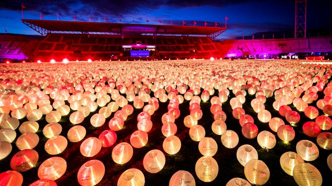 Boom koopt 100 lichtpuntjes tegen kanker