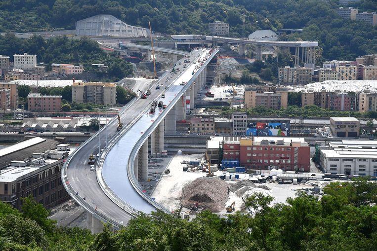 Werkzaamheden aan de nieuwe brug Beeld EPA