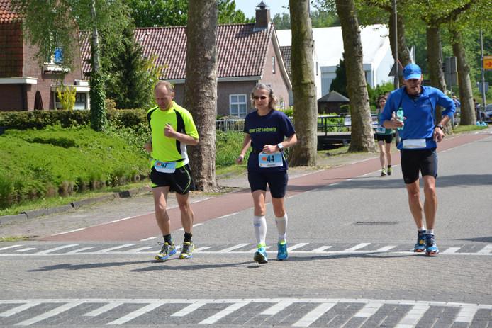 Snelste vrouw bij de 24 uur ultraloop Jannet Lange (avVN) liep een nationaal record in haar categorie (V50) van ruim 198 kilometer.