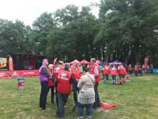 Werknemers metaalsector staken in Stadswandelpark Eindhoven