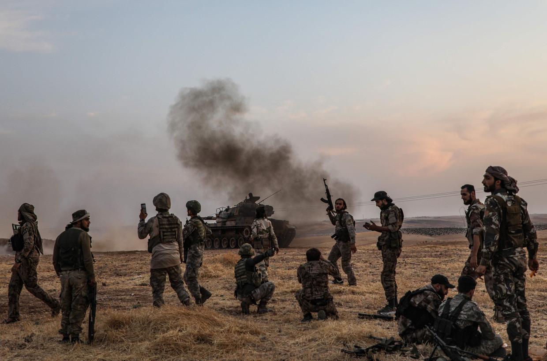 Turkse soldaten in de buurt van de Syrische stad Manbij.