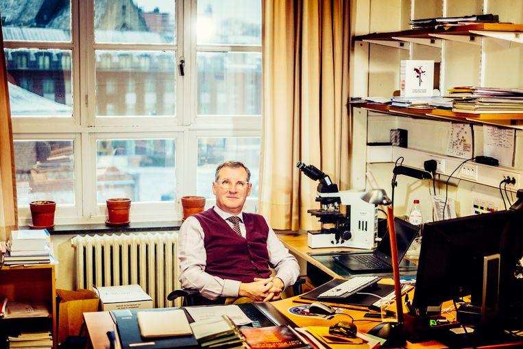Wim Van de Voorde, forensisch patholoog. Beeld Stefaan Temmerman